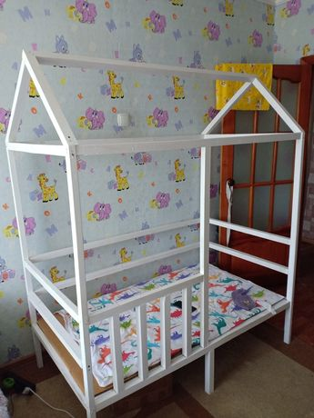 Продается кроватка-домик