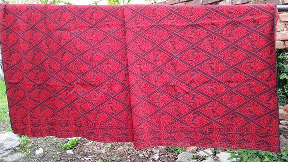 Тъкани вълнени килими