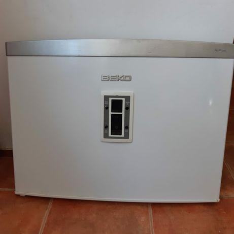 Usa congelator ptr. combina frigorifica Beko (inclus display comanda)
