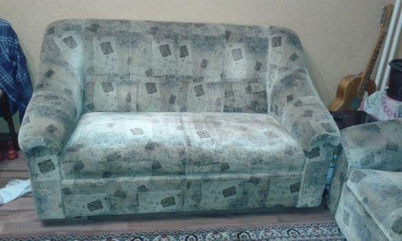 Запазени диван - двойка и фотьойл