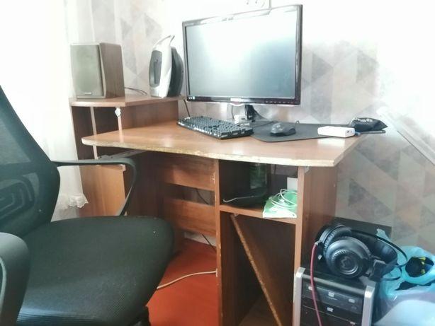 Продажа компьютерного стола в связи с выездом на ПМЖ