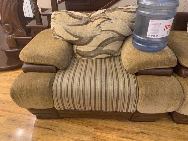 Мягкая мебель, в хорошем состоянии