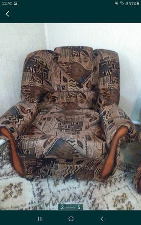 Диван с креслами за 20.000