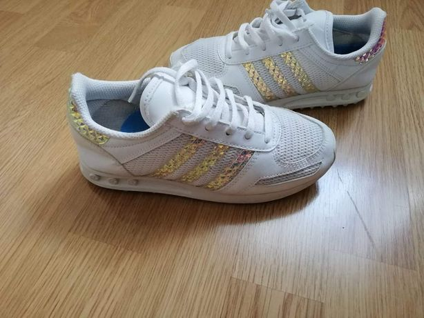 Adidași Adidas nr 32