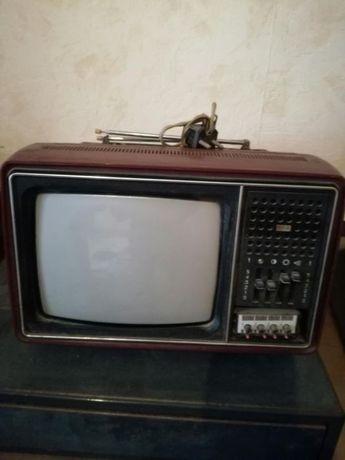 Портативен цветен телевизор 1981г.