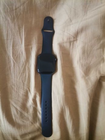 Продам срочно Apple Watch 6 series 44 mm
