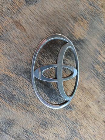 Передний значок на Toyota Ipsum/Picnic 1997