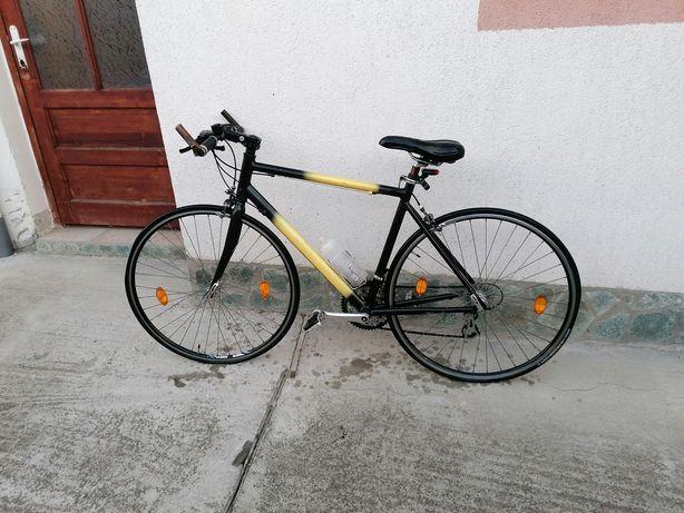 Bicicleta cursiera shimano