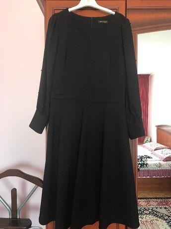 Продам нарядное платье 48 размера