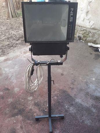 Подвижен прожектор 250w