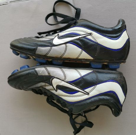 Nike футболни обувки бутонки