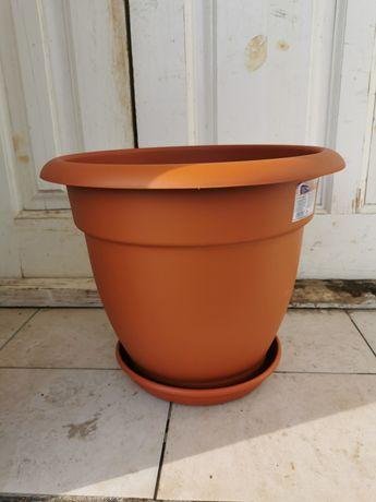 Горшок под цветы 18 литров