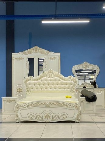 Спальный гарнитур, кровати