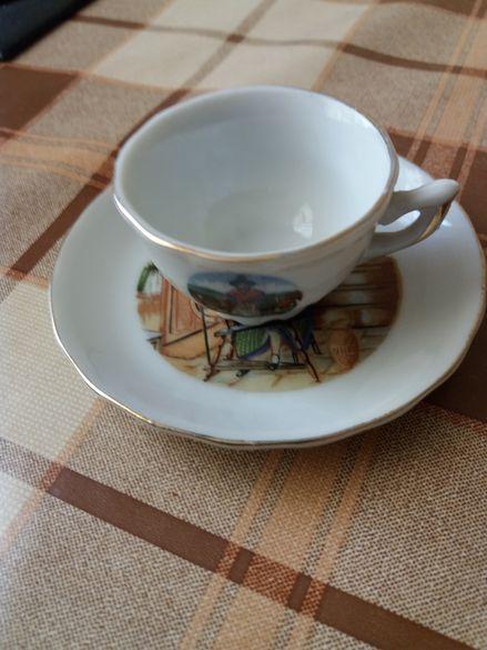 Мини сувенирна чашка,купена от Лондон през 70-те години