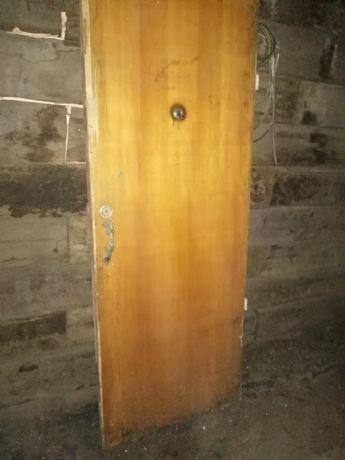 Двери на дрова...
