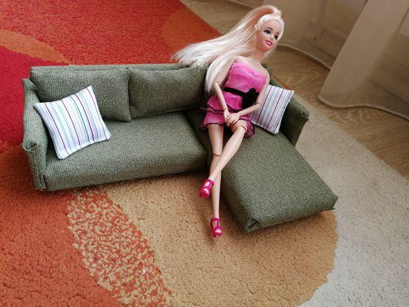 диван за кукли барби