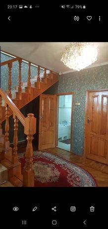 Продам добротный ,благоустроенный  3 -уровневый дом мкр.Шапагат