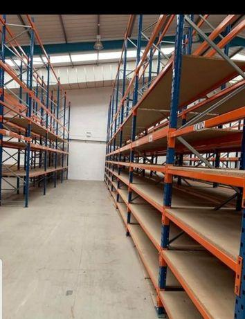 Vând rafturi metalice profesionale reglabile la super preț