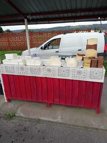Vând produse tradiționale, brânză burduf, telemea, pastrama oaie