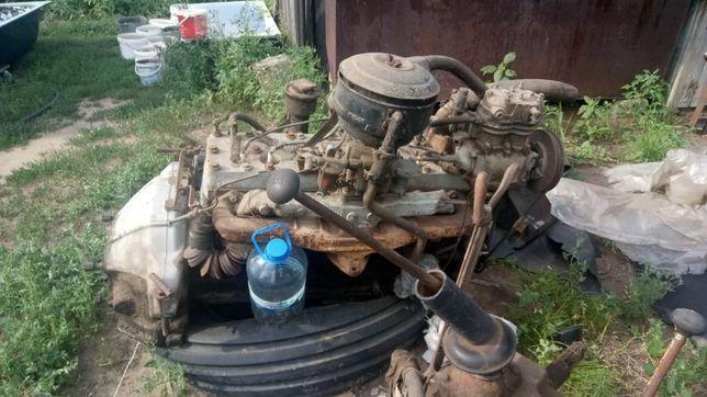 двигатель и коробку передач на ЗИЛ 157