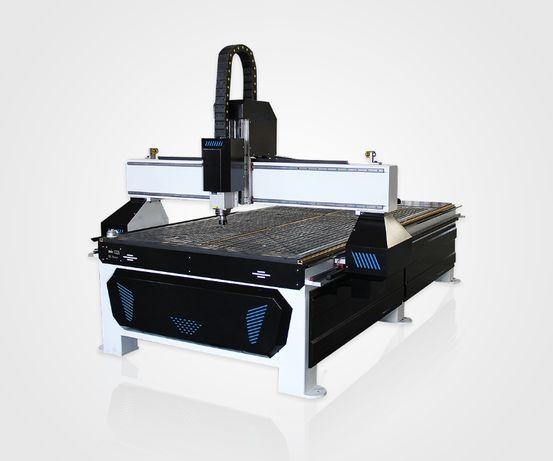 Фрезерно-гравировальный станок с ЧПУ 1300х2500 мм, 3.2 кВт, вакуум