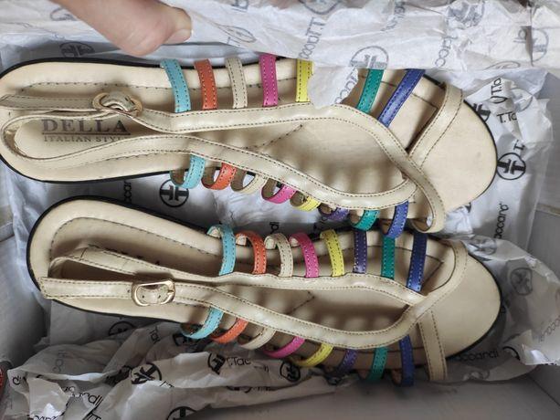 Обувь женская, босоножки, шлепки, ботильоны