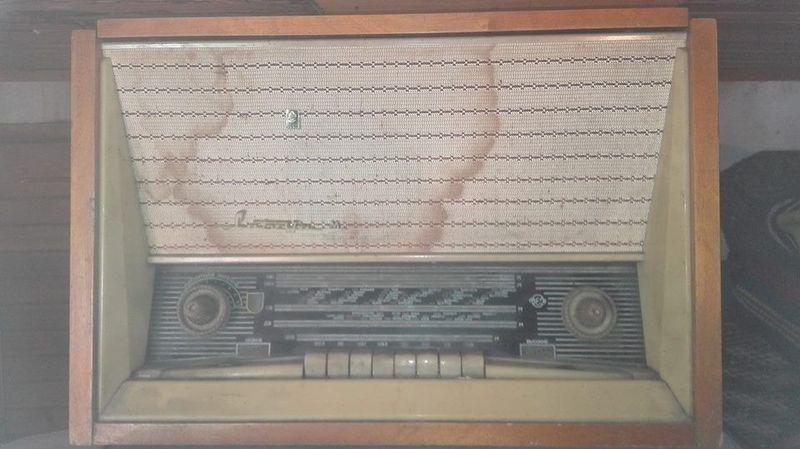 Старо лампово радио Латвия М гр. Белене - image 1