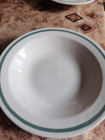 Порцеланови чинии за храна