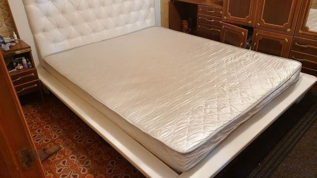Продам кровать двух спальную