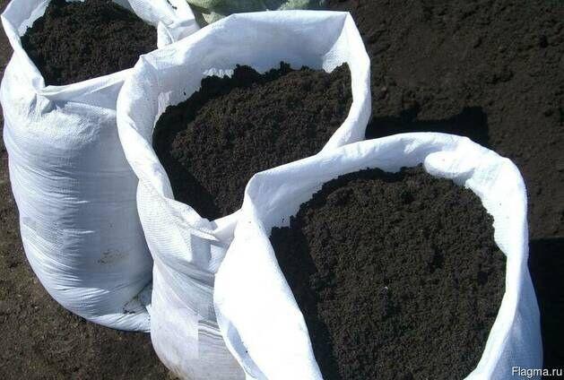 Чернозем в мешках 35кг (+/- 5 кг)