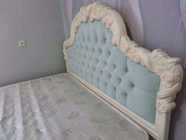 Продается спальный гарнитур Луиза