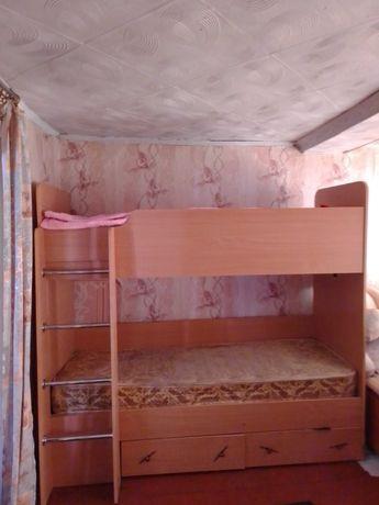 Двухьяруснная кровать