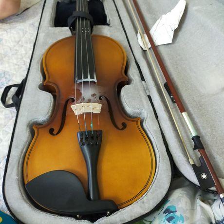 Продам скрипку целая