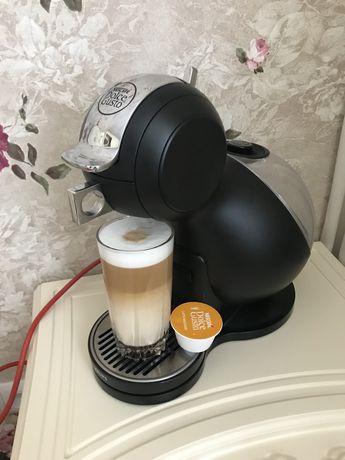 Продам кофеварку капсульную