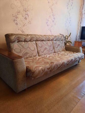Мягкая мебель:диван и два кресла