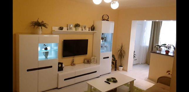 De vânzare apartament cu 3 camere mobilat sau schimb cu 2 camere.