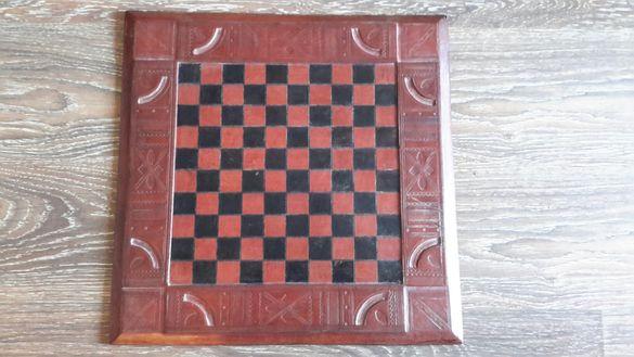 Кожена дъска за шах като цяло във Добро състояние