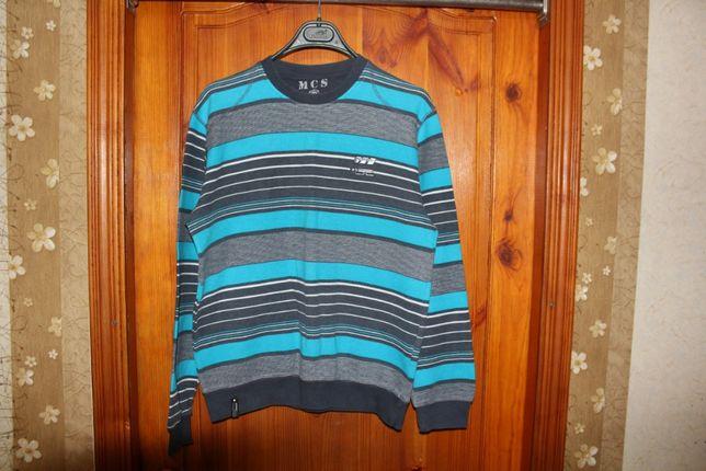 Мужской свитер продается.