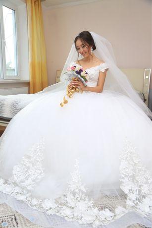 Свадебное платье брендовое