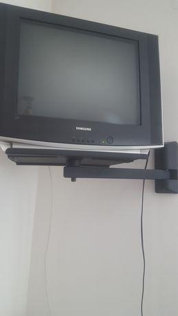 Vand TV plus suportul de TV pentru perete