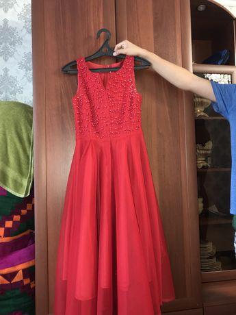 Платье в очень хорошем сост