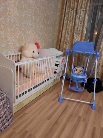 Детская кровать и качели