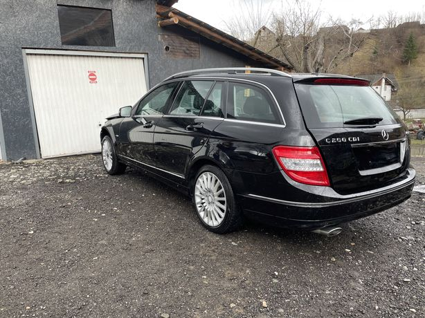 Dezmembrez Mercedes w204 C250 euro 5 204 cp 4matic 2011
