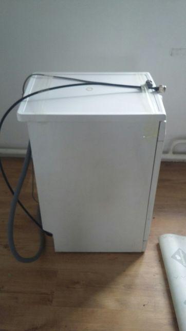 Продам посудомоечную машинку Electrolux