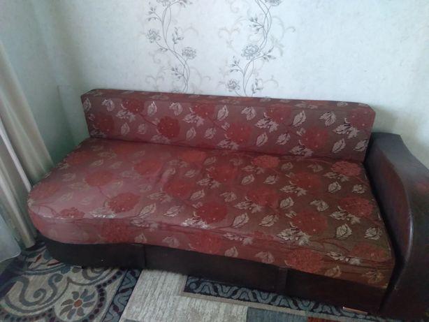 Продам диван тахта