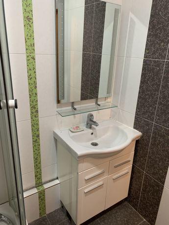 Раковина, тумба и зеркало для сан. узла
