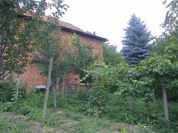 продава къща в село Горна Бешовица