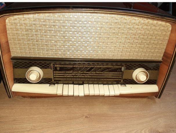 Radio foarte vechi