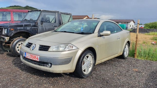 Dezmembrez Renault Megane cabrio 2004 decapotare bara faruri capota