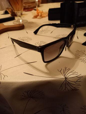 Оригинални слънчеви очила Prada купувани от Милано